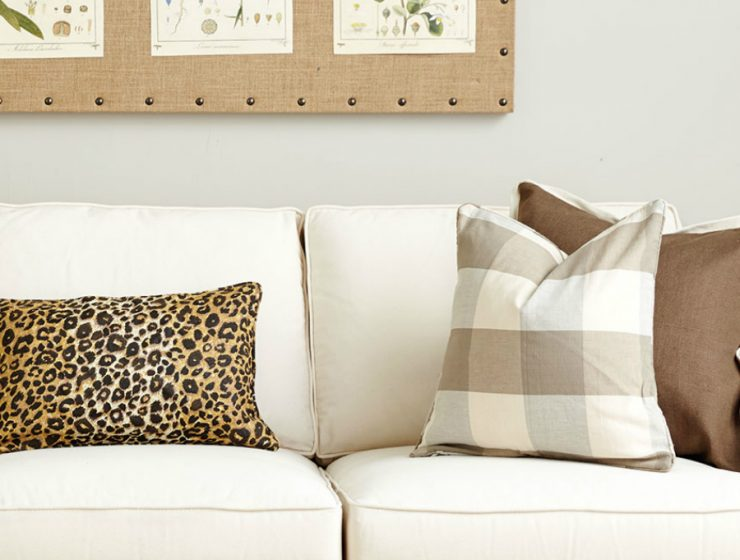 Upholstery Fabrics Inspiration: How to Style with Pillows upholstery fabrics inspiration Upholstery Fabrics Inspiration: How to Style with Decorative Pillows Upholstery Fabrics Inspiration How to Style with Decorative Pillows7 740x560